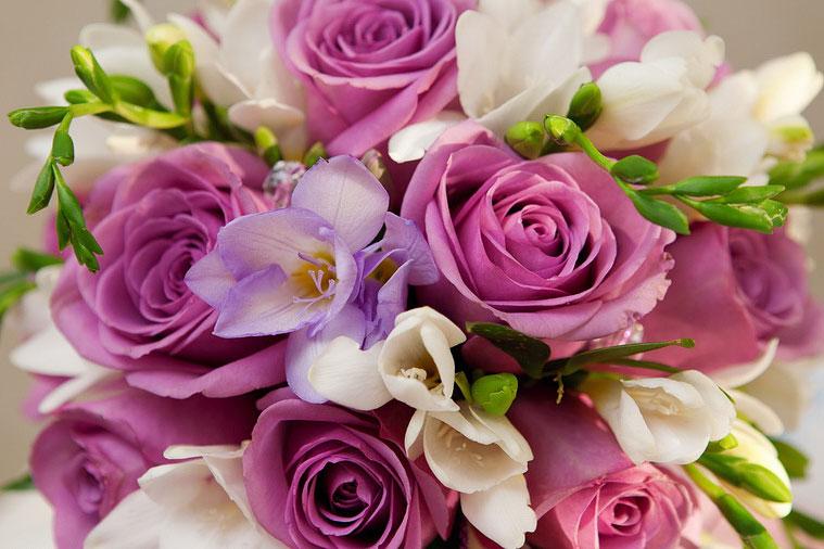 Красивый букет цветок лиловая цветовая гамма