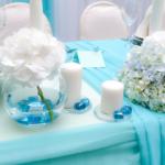 Оформление стола в бирюзовом цвете