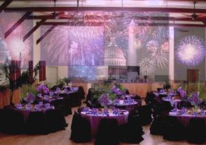 Оформление свадебного зала для гостей в фиолетовом цвете