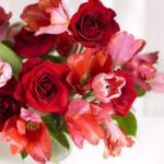 свадебный красный нежный букет