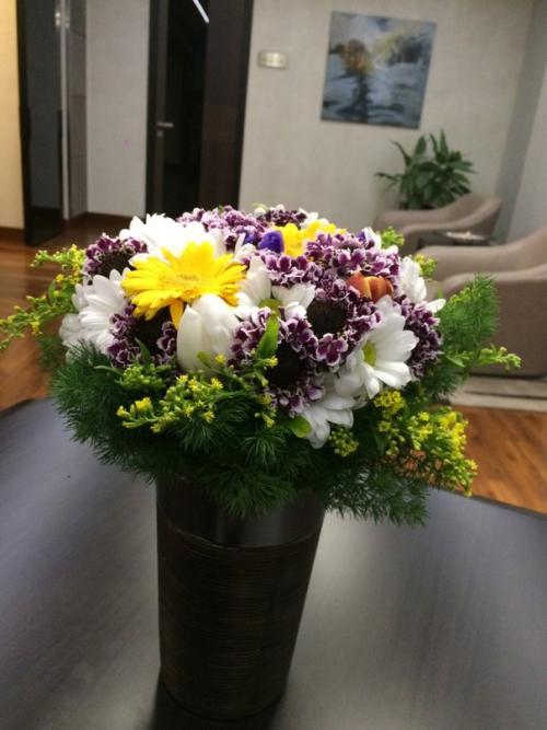Букет с хризантемой и солидаго №42