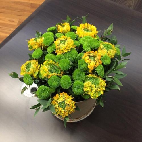 Шляпная коробка с цветами №02