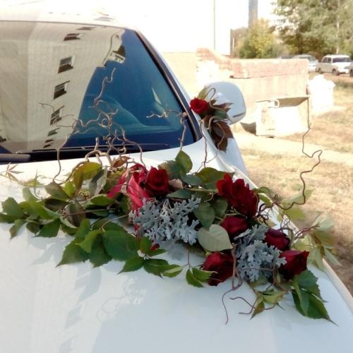 Композиция на автомобиль с корелюсом